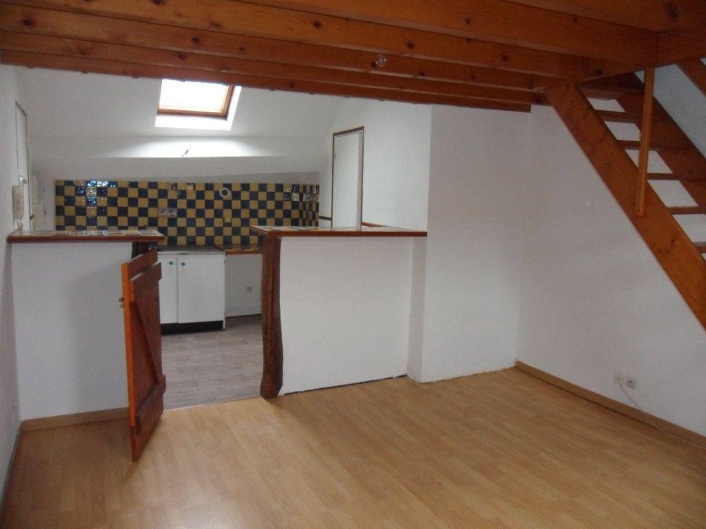 Appartement à louer 1 22.6m2 à Crécy-la-Chapelle vignette-2