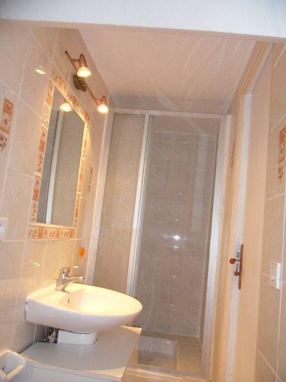 Appartement à louer 1 22.6m2 à Crécy-la-Chapelle vignette-4