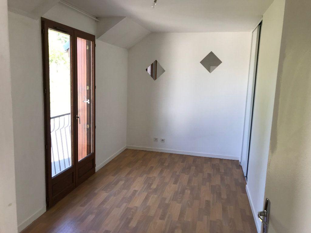 Appartement à louer 3 54.13m2 à Crécy-la-Chapelle vignette-5
