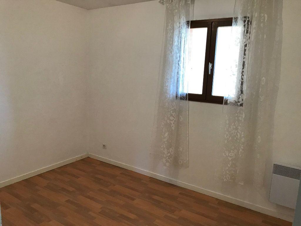 Appartement à louer 3 54.13m2 à Crécy-la-Chapelle vignette-6