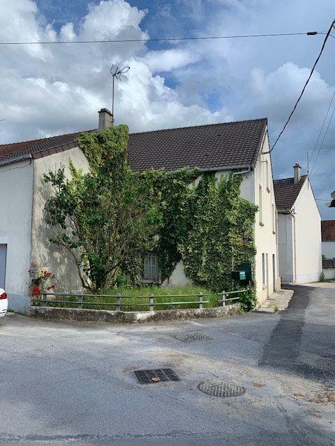 Maison à vendre 5 150m2 à Maisoncelles-en-Brie vignette-1
