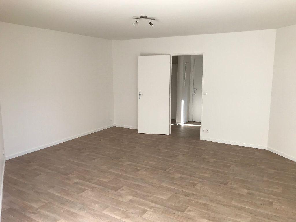 Appartement à louer 2 48.61m2 à Crécy-la-Chapelle vignette-1