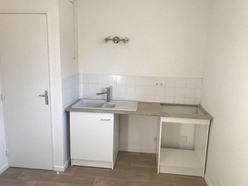 Appartement à louer 2 48.61m2 à Crécy-la-Chapelle vignette-4