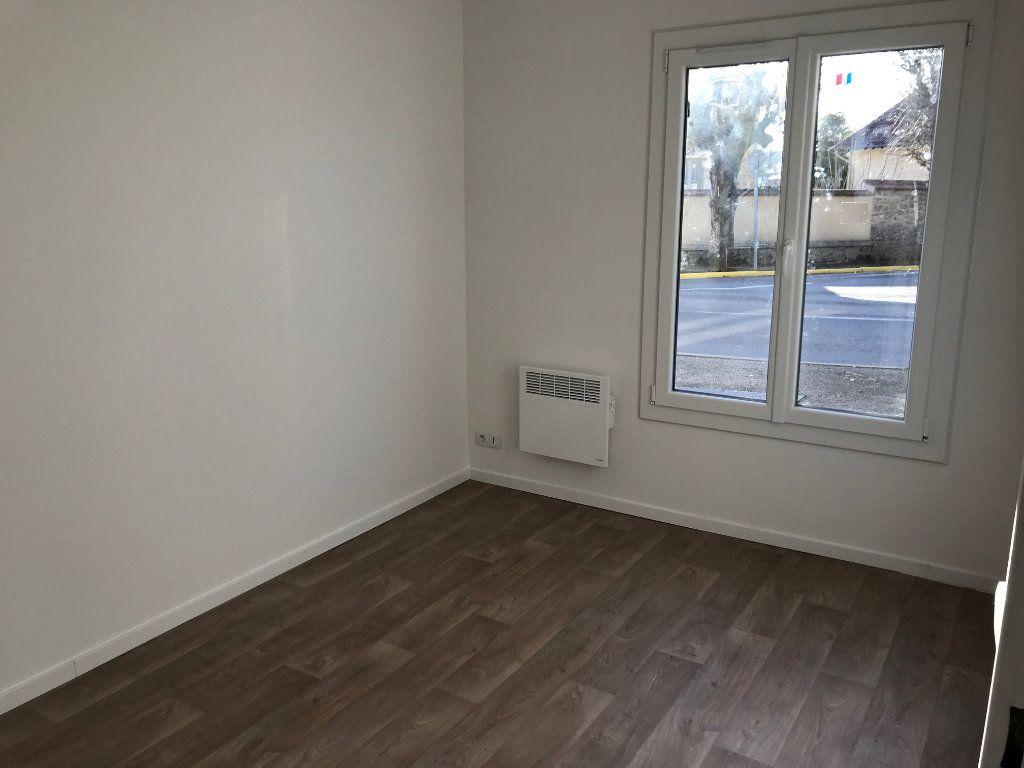Appartement à louer 2 48.61m2 à Crécy-la-Chapelle vignette-5