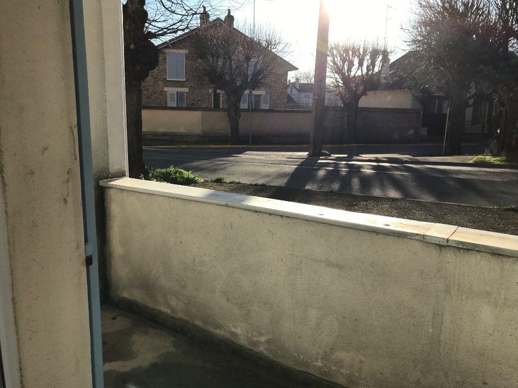 Appartement à louer 2 48.61m2 à Crécy-la-Chapelle vignette-8