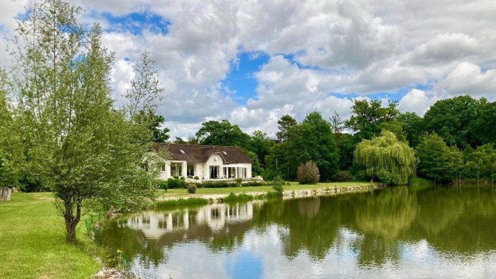 Maison à vendre 7 460m2 à Villeneuve-le-Comte vignette-1