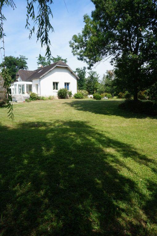 Maison à vendre 7 460m2 à Villeneuve-le-Comte vignette-3