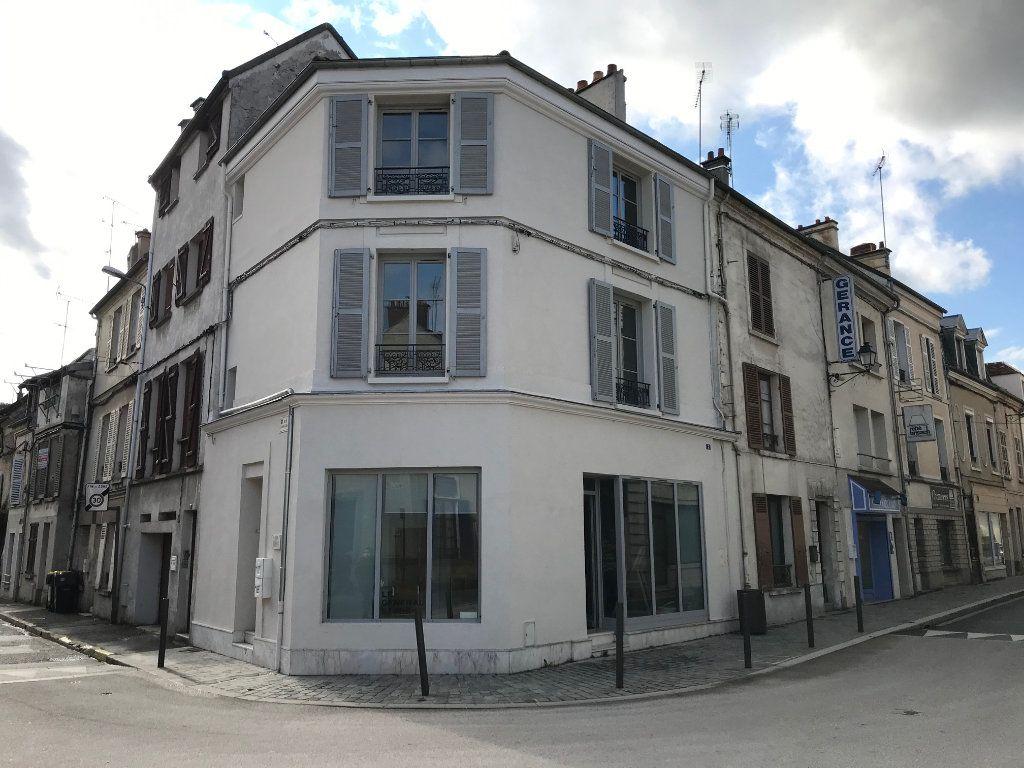 Appartement à louer 3 71.79m2 à Crécy-la-Chapelle vignette-1