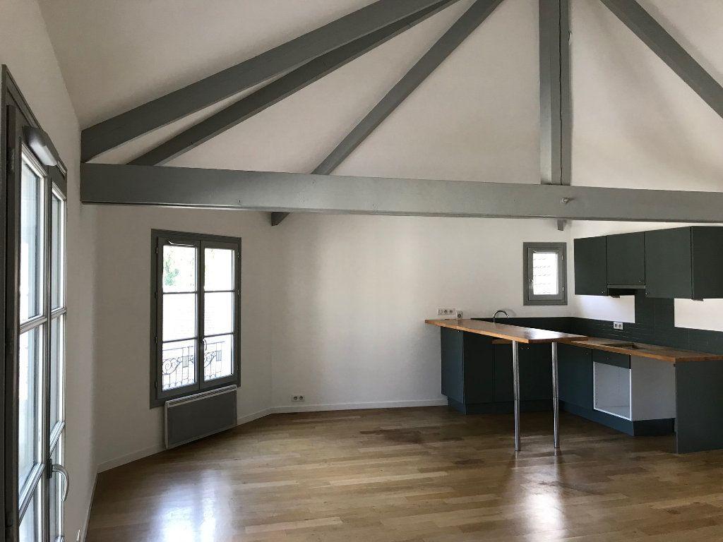 Appartement à louer 3 71.79m2 à Crécy-la-Chapelle vignette-3