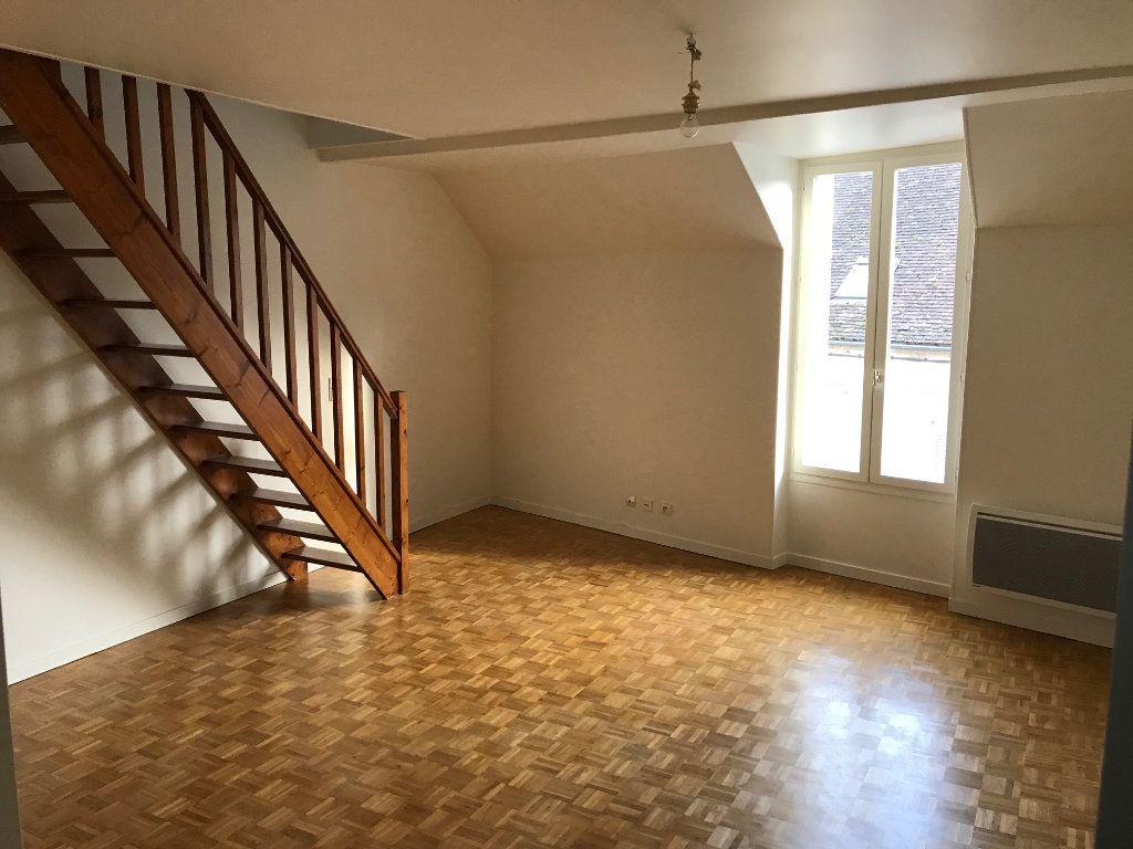 Appartement à louer 3 57.73m2 à Crécy-la-Chapelle vignette-1