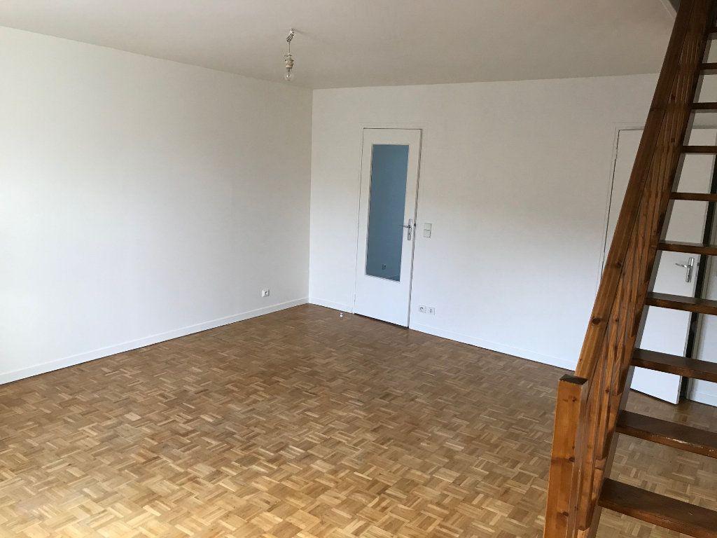 Appartement à louer 3 57.73m2 à Crécy-la-Chapelle vignette-2