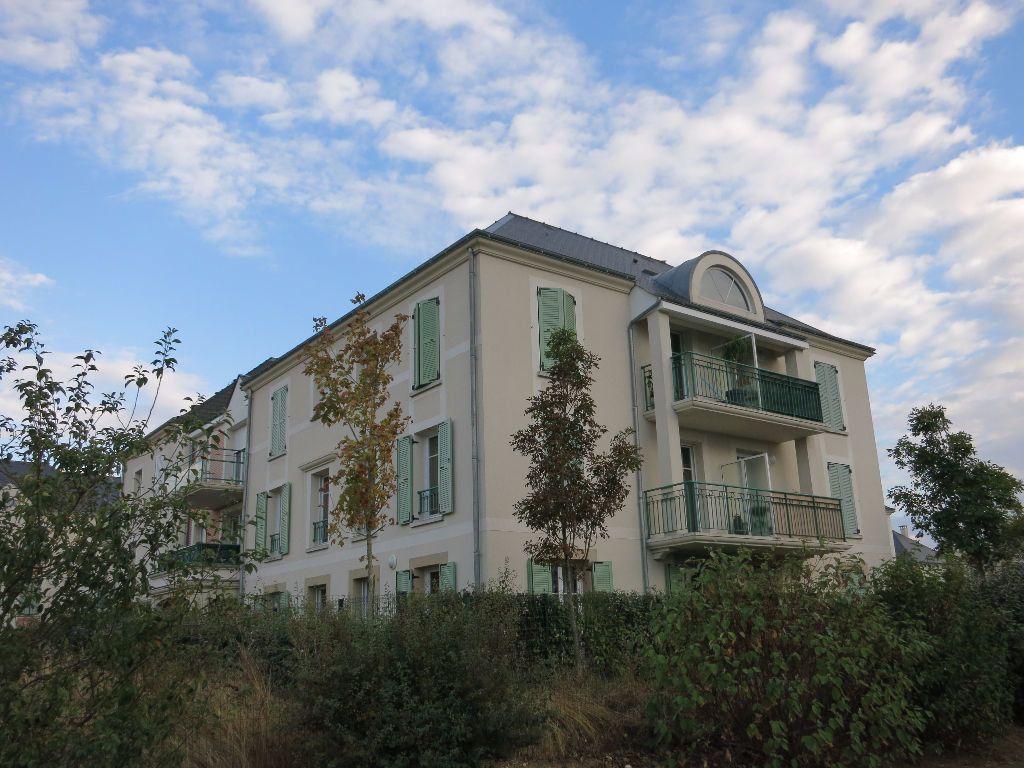 Appartement à louer 3 63m2 à Luynes vignette-1