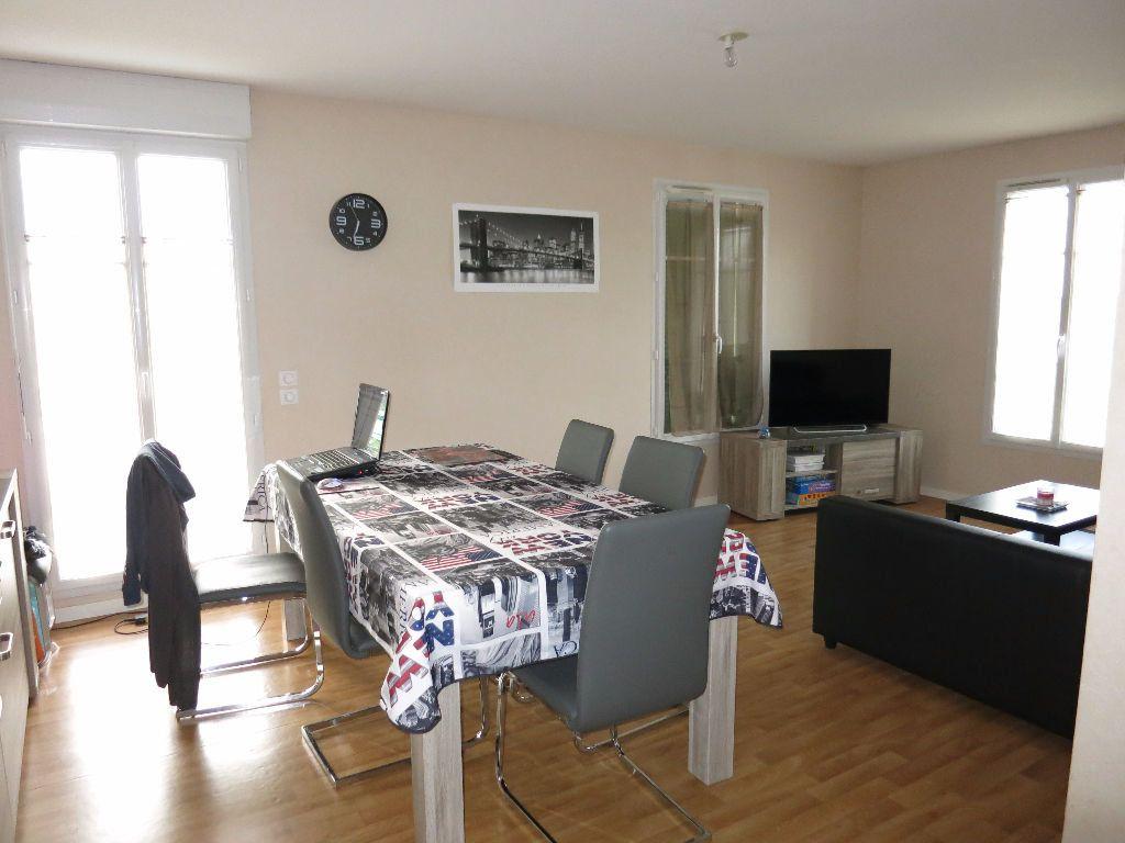 Appartement à louer 3 63m2 à Luynes vignette-2