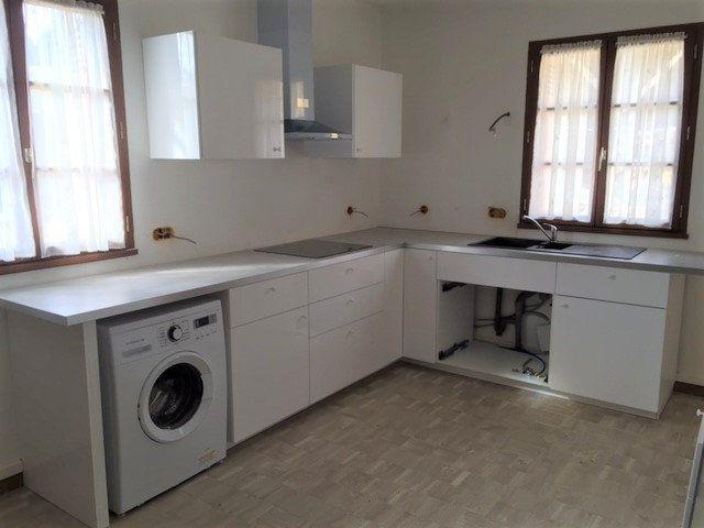 Appartement à louer 1 19m2 à Saint-Étienne-de-Chigny vignette-3