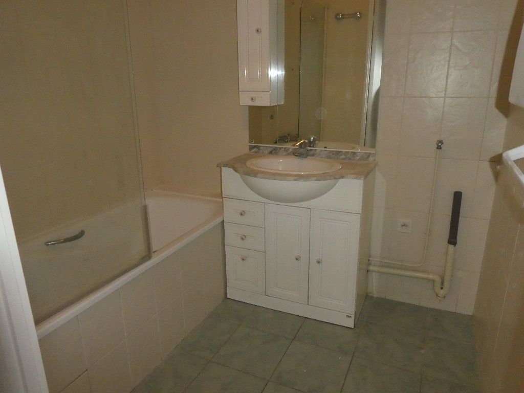 Appartement à louer 2 54m2 à Saint-Cyr-sur-Loire vignette-5