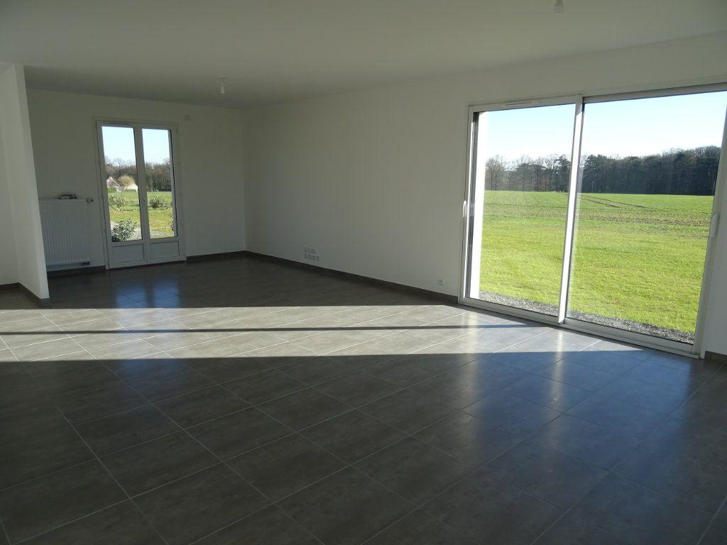 Maison à louer 4 104m2 à Charentilly vignette-4