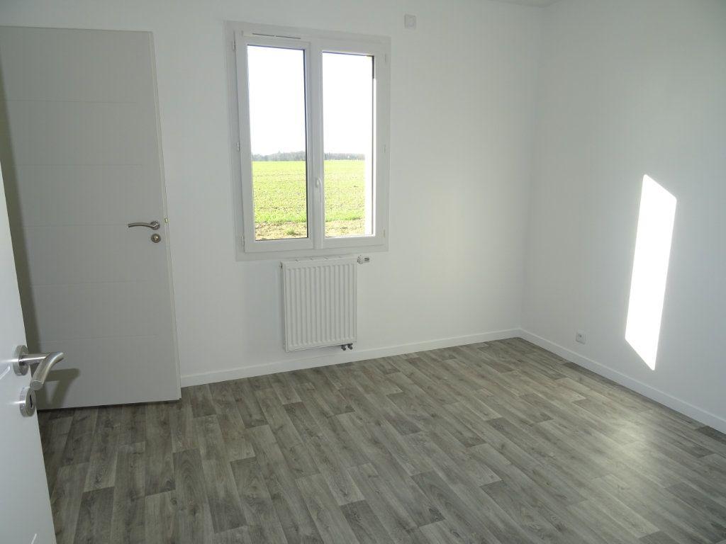 Maison à louer 4 104m2 à Charentilly vignette-8