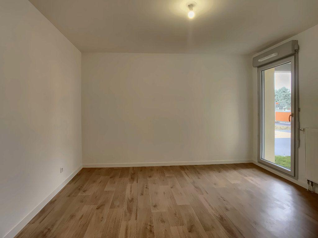 Appartement à louer 3 64m2 à Fondettes vignette-4