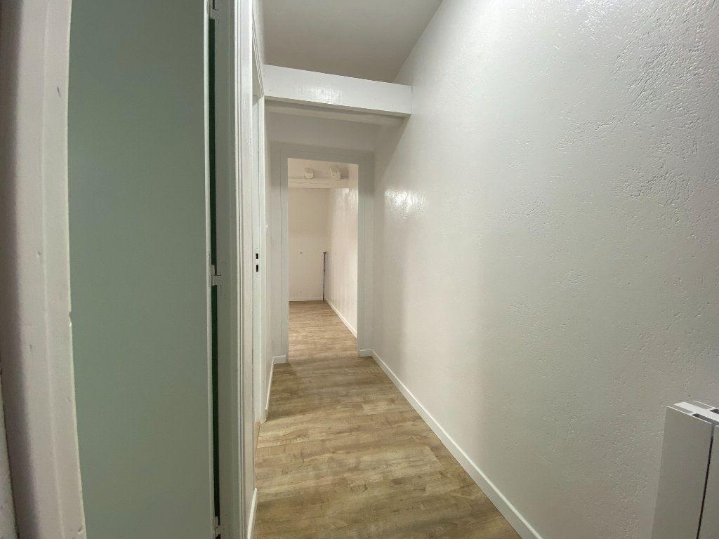 Appartement à louer 2 30m2 à Bléré vignette-4