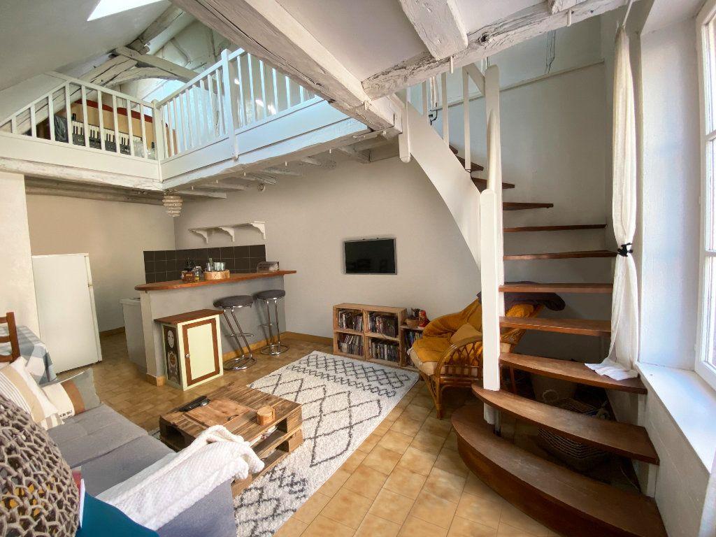Appartement à louer 3 50m2 à Bléré vignette-1