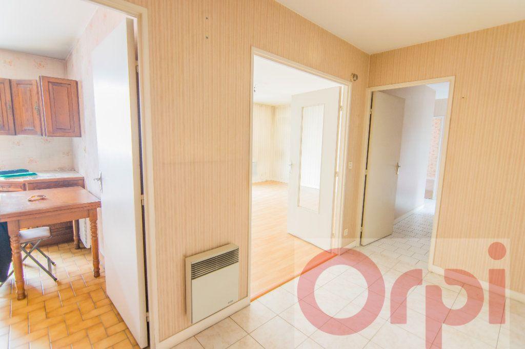 Appartement à vendre 4 88.65m2 à Chartres vignette-2