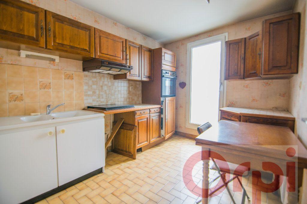 Appartement à vendre 4 88.65m2 à Chartres vignette-6