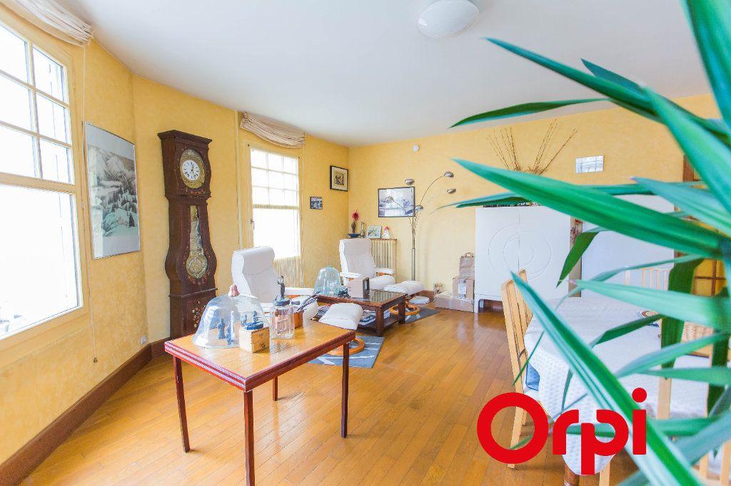 Appartement à vendre 5 128.4m2 à Chartres vignette-2