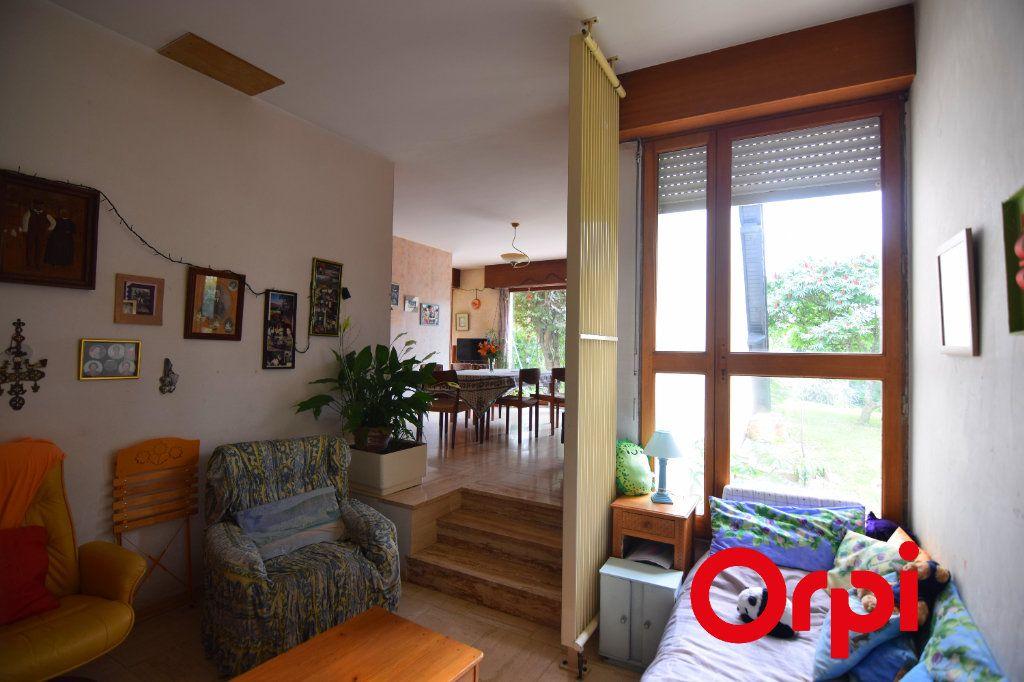 Maison à vendre 7 134m2 à Chartres vignette-4
