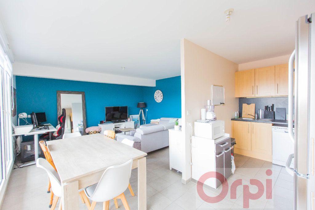 Appartement à vendre 4 77.59m2 à Chartres vignette-2