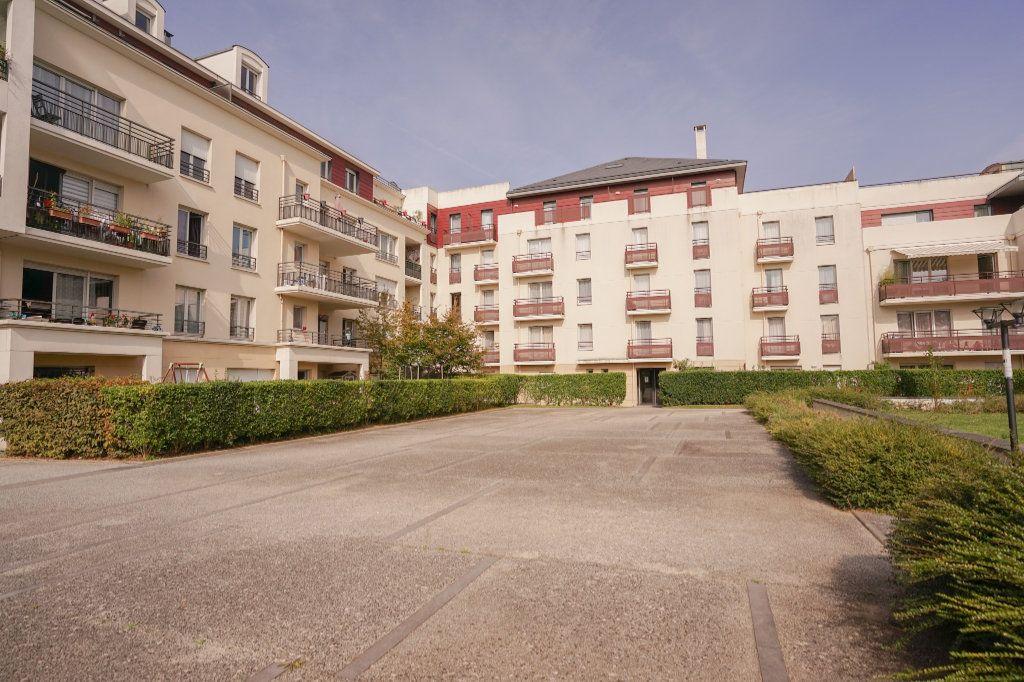 Appartement à vendre 1 22m2 à Carrières-sous-Poissy vignette-1