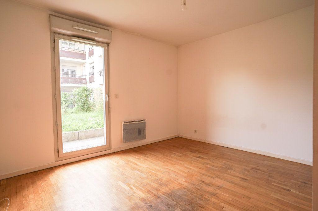 Appartement à vendre 1 22m2 à Carrières-sous-Poissy vignette-3