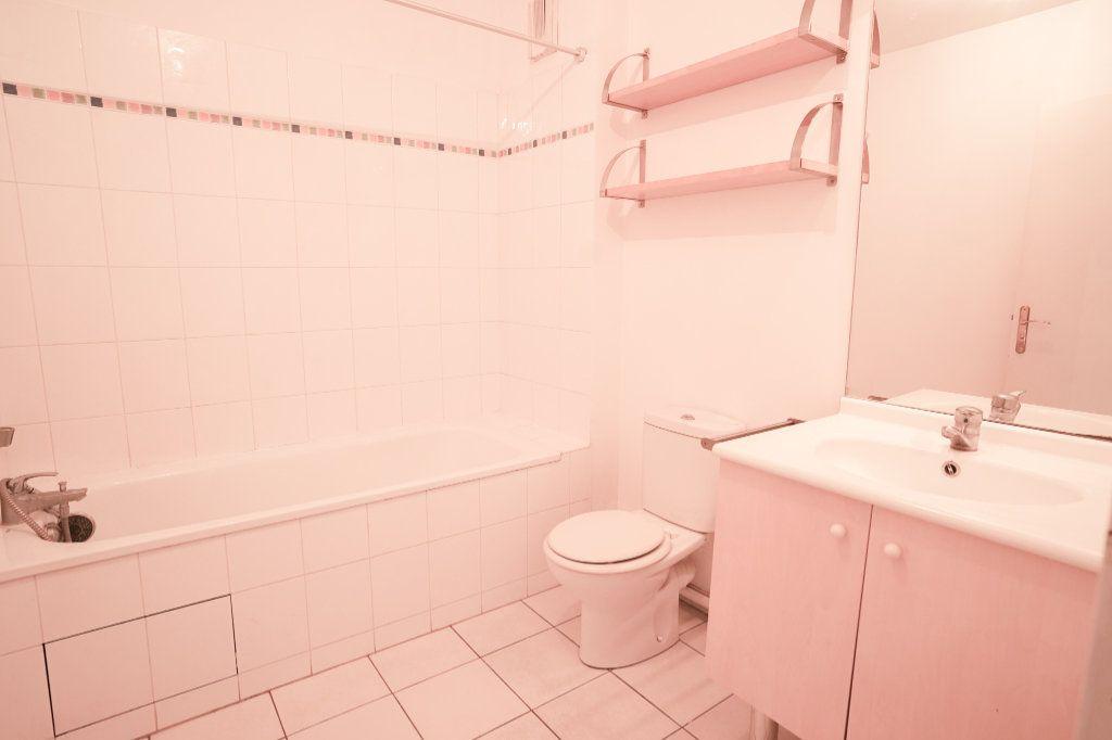 Appartement à vendre 1 22m2 à Carrières-sous-Poissy vignette-4