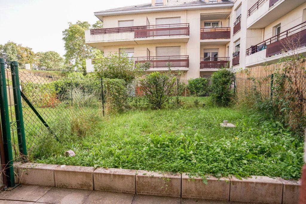 Appartement à vendre 1 22m2 à Carrières-sous-Poissy vignette-5