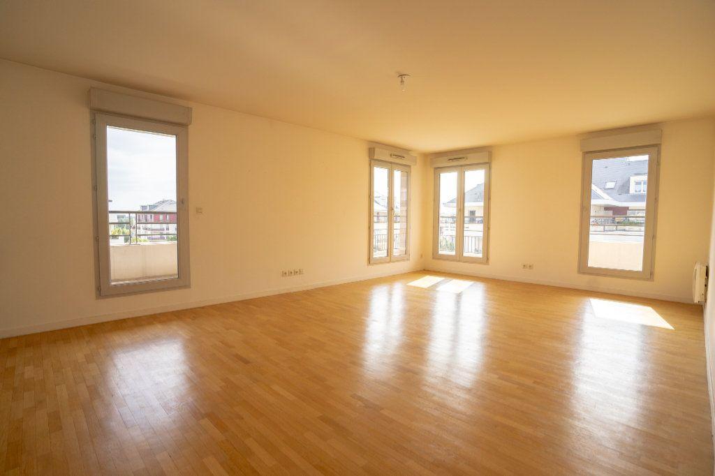 Appartement à vendre 5 104m2 à Carrières-sous-Poissy vignette-1
