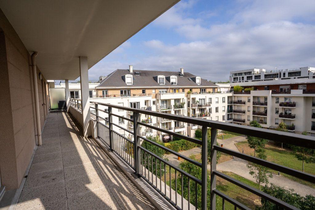 Appartement à vendre 5 104m2 à Carrières-sous-Poissy vignette-2