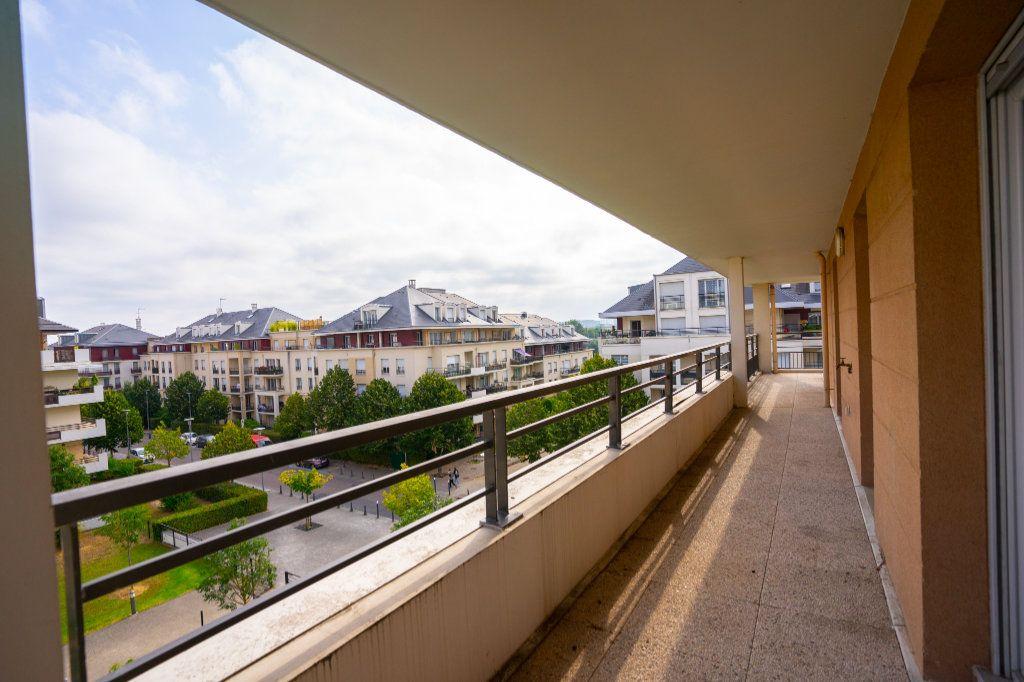 Appartement à vendre 5 104m2 à Carrières-sous-Poissy vignette-4