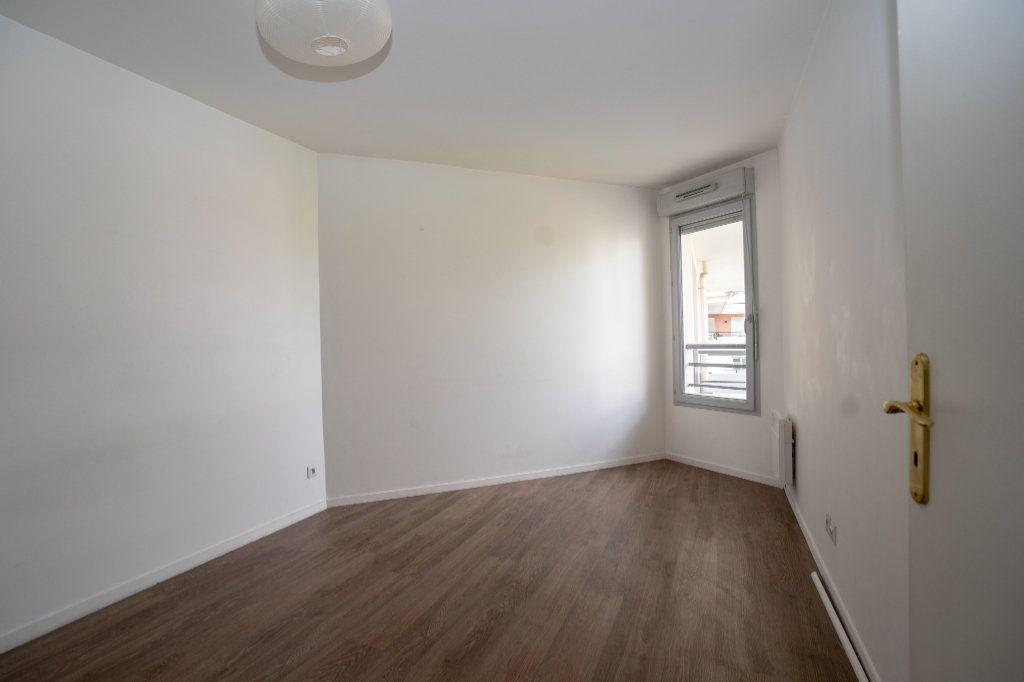Appartement à vendre 5 104m2 à Carrières-sous-Poissy vignette-6