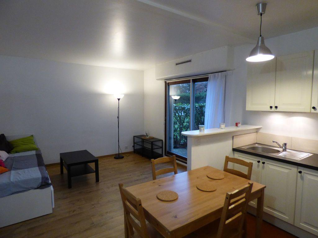 Appartement à louer 1 28m2 à Verneuil-sur-Seine vignette-2