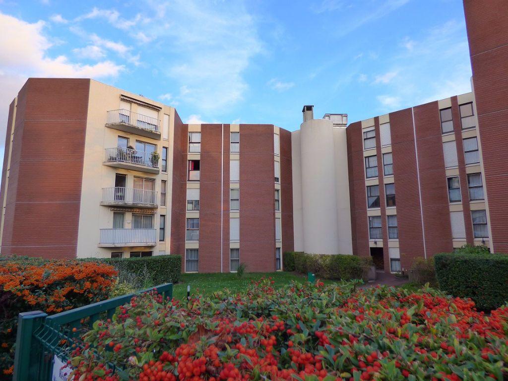 Appartement à louer 1 28m2 à Verneuil-sur-Seine vignette-1