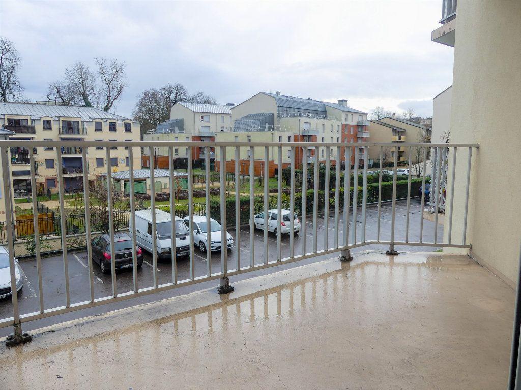Appartement à louer 1 28m2 à Verneuil-sur-Seine vignette-5