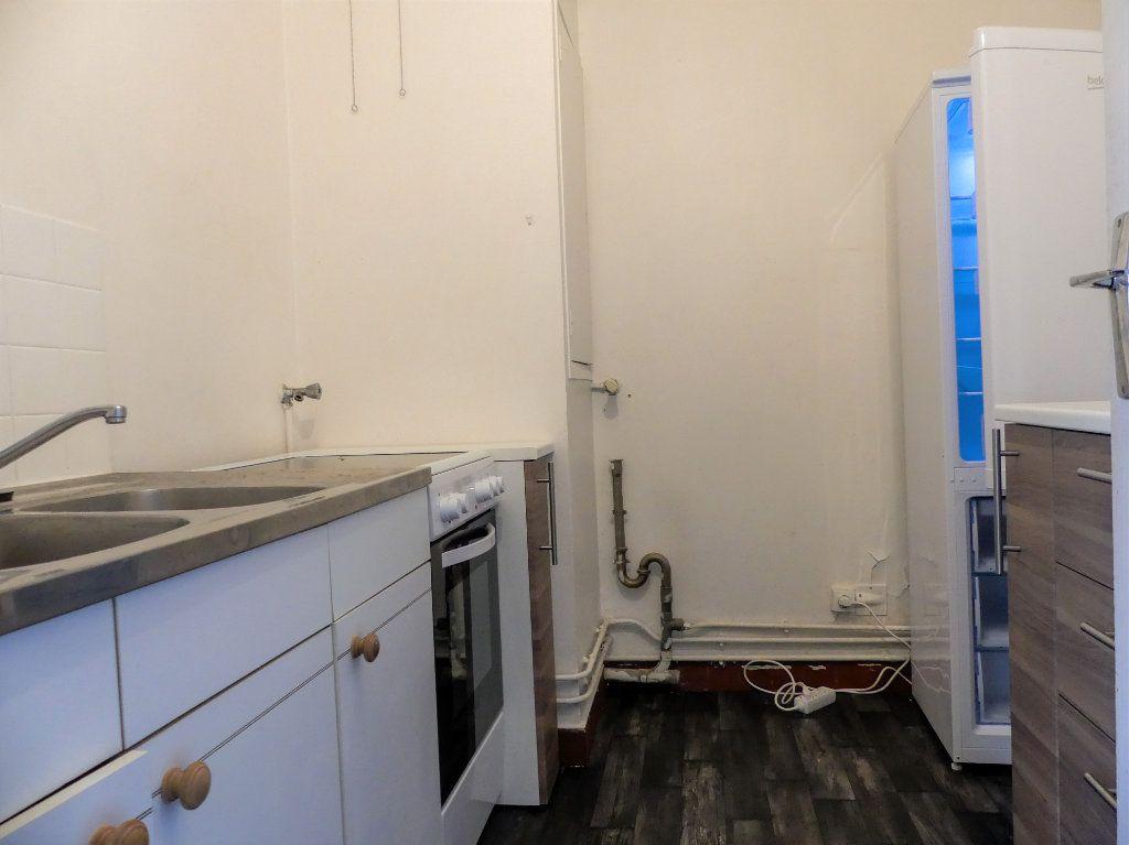Appartement à louer 1 28m2 à Verneuil-sur-Seine vignette-6