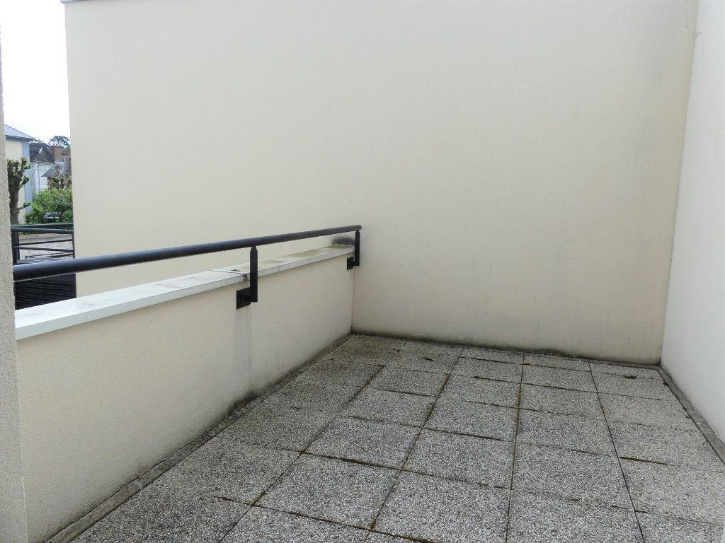 Appartement à louer 1 27.6m2 à Verneuil-sur-Seine vignette-3