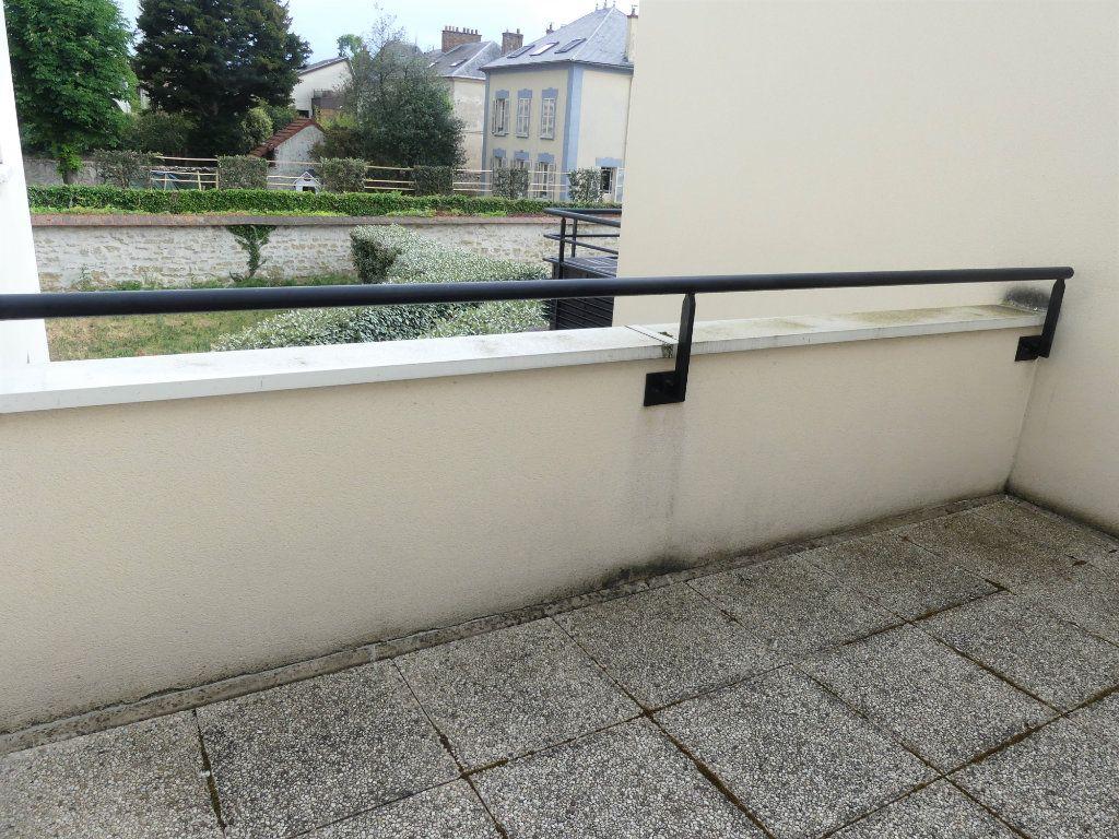 Appartement à louer 1 27.6m2 à Verneuil-sur-Seine vignette-4