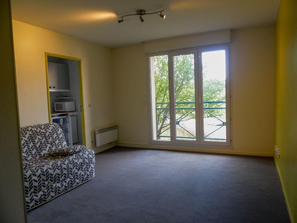 Appartement à louer 1 28.91m2 à Verneuil-sur-Seine vignette-2