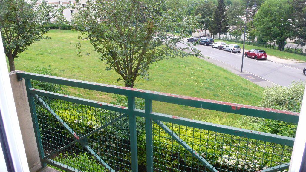 Appartement à louer 1 28.91m2 à Verneuil-sur-Seine vignette-3