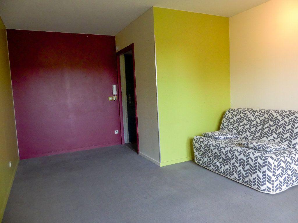 Appartement à louer 1 28.91m2 à Verneuil-sur-Seine vignette-4
