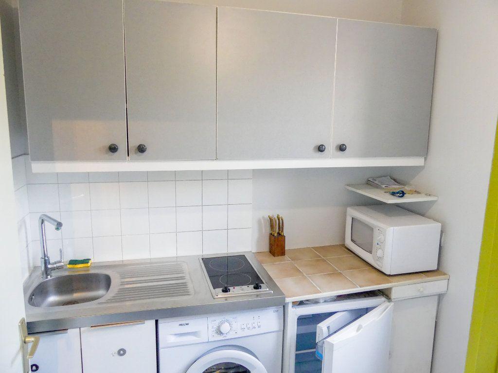 Appartement à louer 1 28.91m2 à Verneuil-sur-Seine vignette-5
