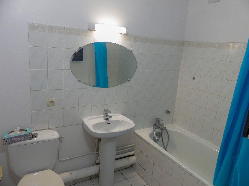 Appartement à louer 1 28.91m2 à Verneuil-sur-Seine vignette-6