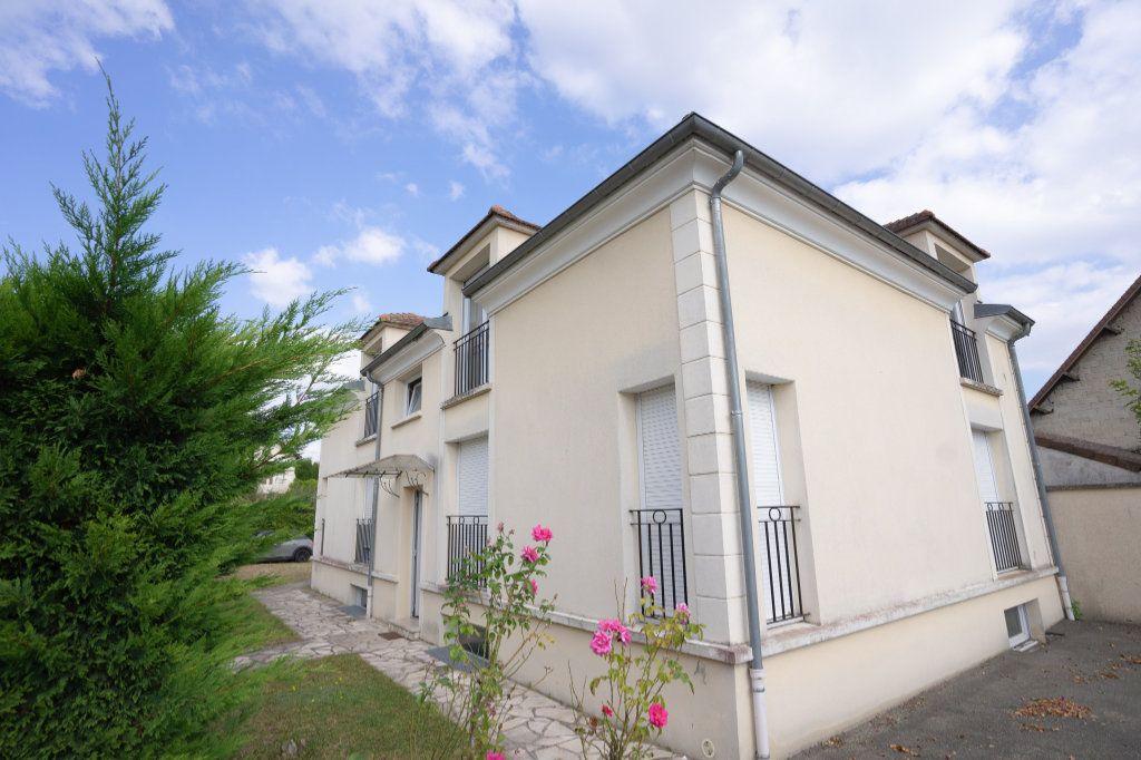 Appartement à louer 2 42.3m2 à Verneuil-sur-Seine vignette-1