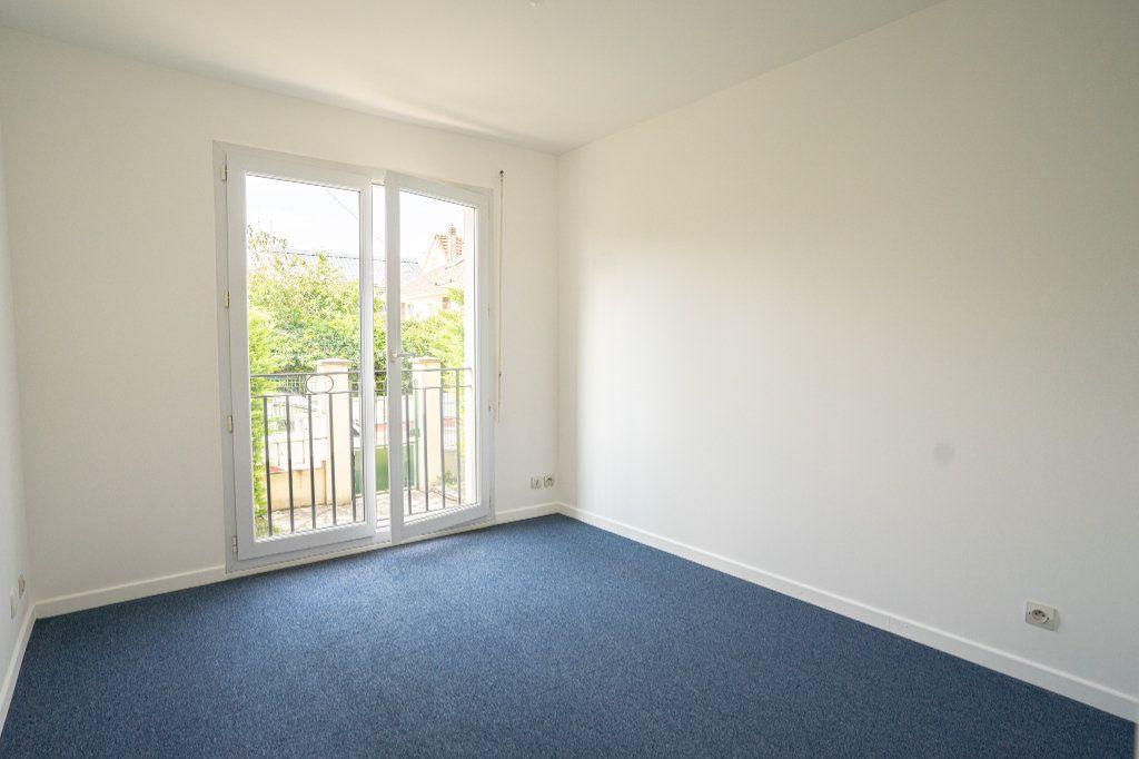 Appartement à louer 2 42.3m2 à Verneuil-sur-Seine vignette-4
